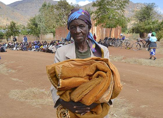 初めての毛布は神の恵みです
